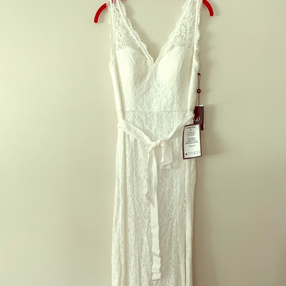 burlarse de Ver insectos Nuez  Adrianna Papell Dresses   New Adrianna Papell White Belted Lace Gown Size 8    Poshmark